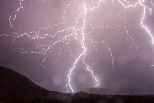 lightning-399853_960_720.jpg