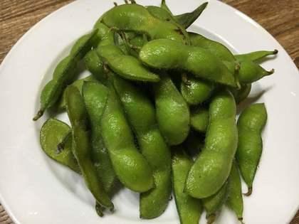 枝豆が出始めました