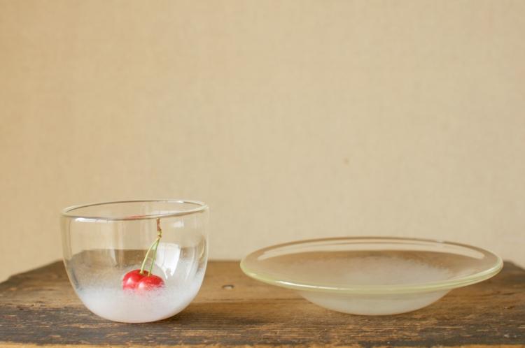 前田彰子/白のカップ、白のプレート (2)