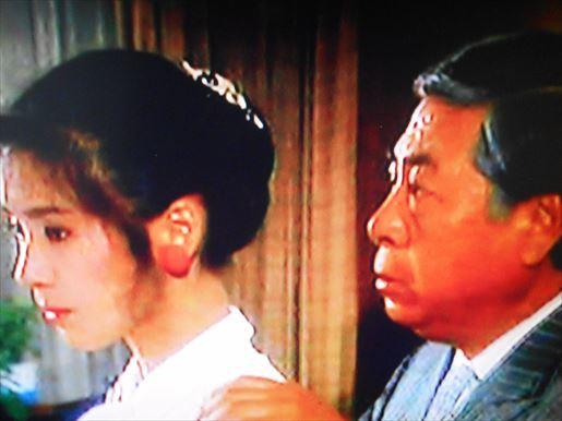 片道切符の花嫁・パリ発ー監獄行き!?