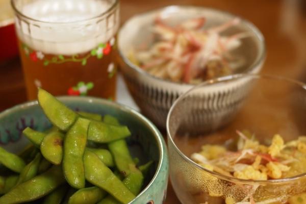 枝豆のある食卓の風景