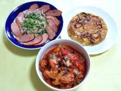 CAI_180719_5216 豚冷しゃぶの大根おろしとミートローフ添え・じゃが芋のスパニッシュオムレツ・鶏肉と夏野菜のチーズトマト煮_VGA