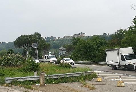 3 ホテルの周辺 高速道路への入口
