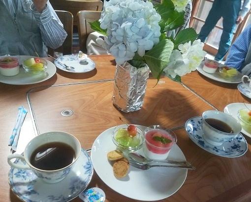 5 コーヒーとケーキ