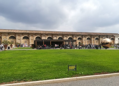 18 ヴァチカン市国の博物館へ