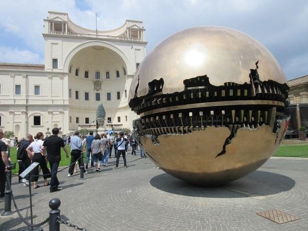 19 ヴァチカン市国の博物館へ