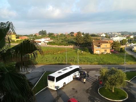 1 ローマのホテルの窓からの朝の風景