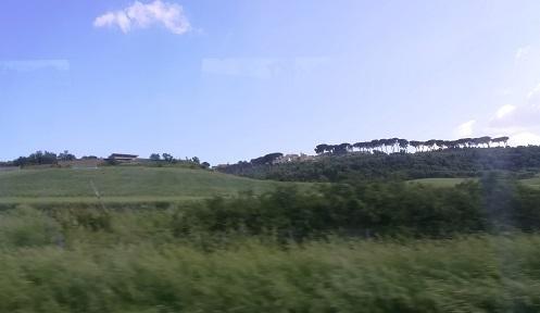 11 バーリへ向かう高速道路の車窓
