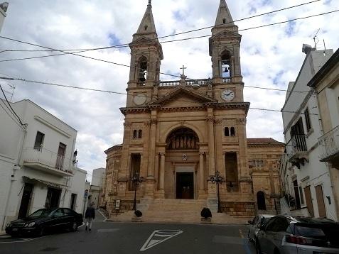 19 新市街の教会