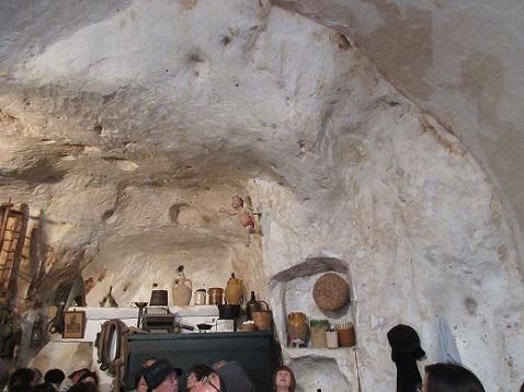 23 洞窟住宅のレストラン