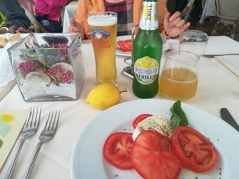 12 昼食のレストラン料理