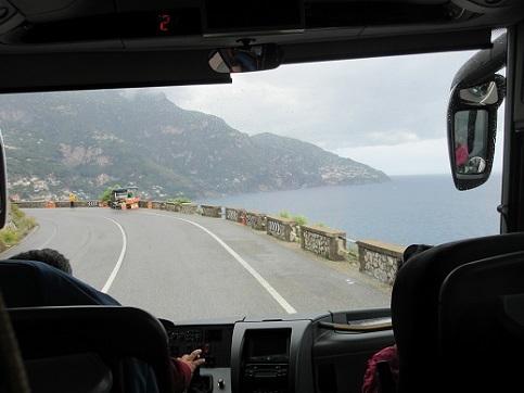 3 アマルフィ海岸へ向かうバスの車窓からの景色