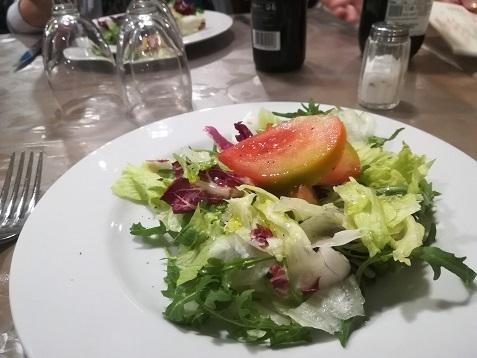3 レストランの夕食