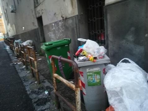 9 ナポリの下町