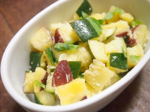 180706-1coconuts-salad.jpg