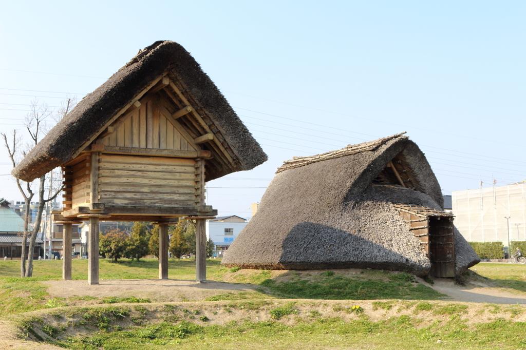 登呂遺跡 高床式倉庫と竪穴式住居