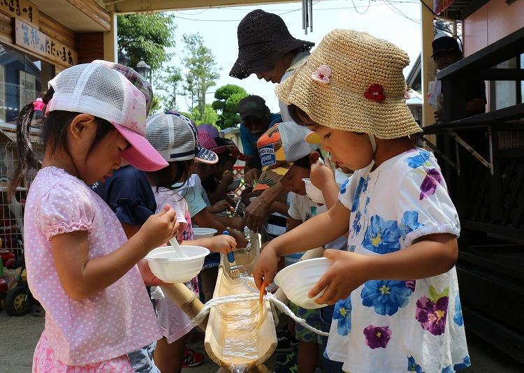 幼稚園児の素麺流し竹が短い 30 7 25