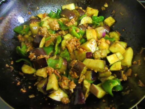 214 野菜投入(1)