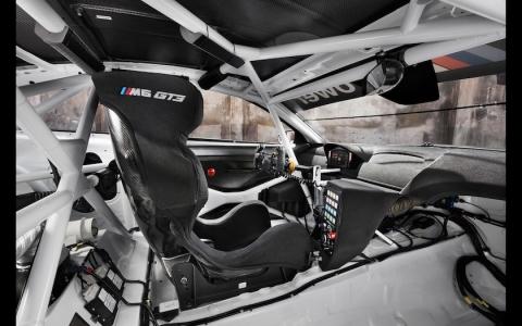 2016-BMW-M6-GT3-Interior-4-1680x1050のコピー