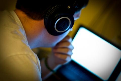 ヘッドホン 視聴環境