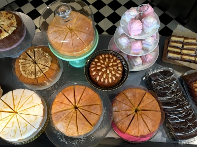 MonCre-bakery-counter-March2018_20180709060030344.jpg