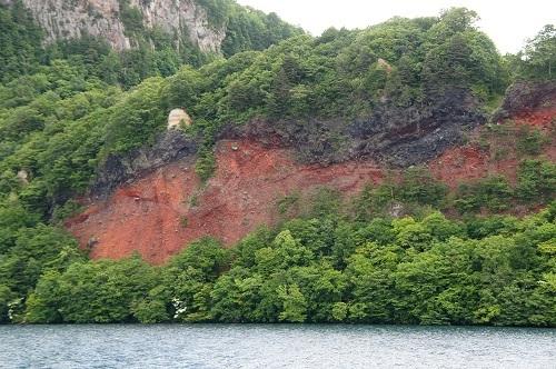 20180625-23 十和田湖・御蔵半島、「五色岩」と中ゼリ層