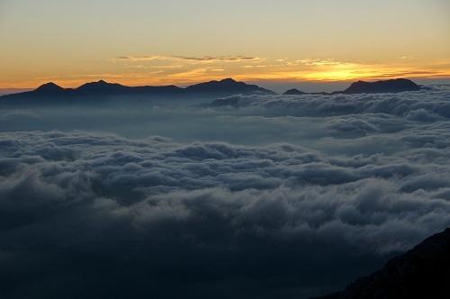 13 唐松岳より焼山~高妻山、雲海