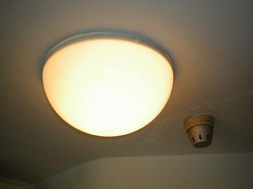中銀カプセルタワービル・照明