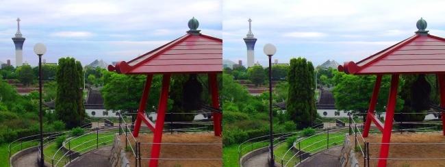 花博記念公園鶴見緑地 国際庭園 国連 世界平和の鐘(平行法)