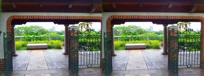 花博記念公園鶴見緑地 国際庭園 スペイン(交差法)