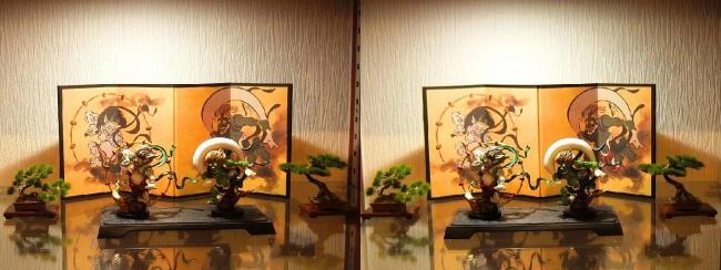リビングルーム展示 風神雷神②(平行法)