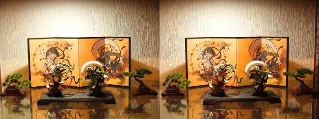 リビングルーム展示 風神雷神②(交差法)