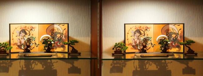 リビングルーム展示 風神雷神①(交差法)