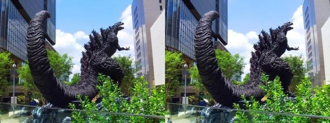 東京ミッドタウン日比谷 シン・ゴジラ像④(平行法)
