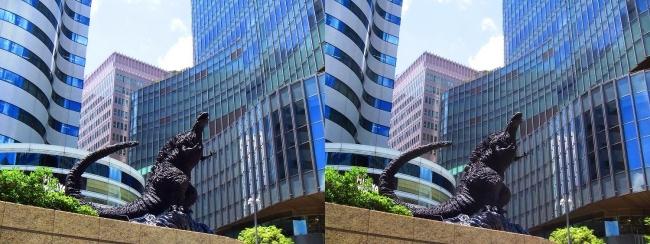 東京ミッドタウン日比谷 シン・ゴジラ像③(交差法)