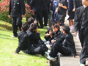 03a 300 学ラン着用生徒