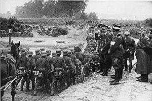 09d 300 Hitler in Poland