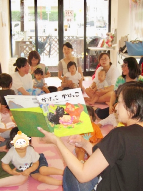 7月絵本の読み聞かせ会☆