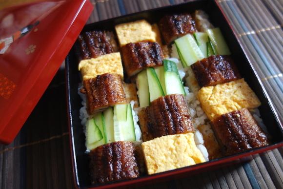 鰻の箱寿司04