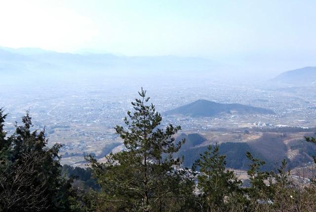 6505 小倉山から甲府盆地の眺め 640×430