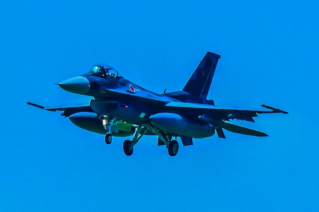 F2 戦闘機