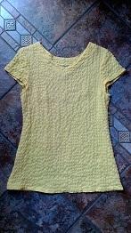 黄色の半袖ブラウス