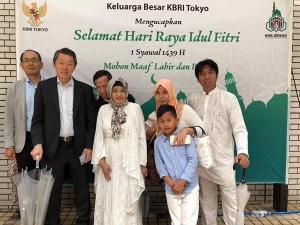 イドゥル・フィットリー_インドネシア大使館でのパーティーの模様2