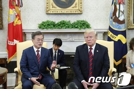 韓国 大統領府 文在寅 トランプ 金正恩 米朝首脳会談