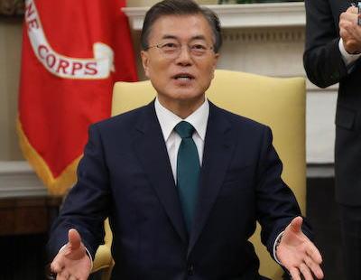 """文在寅と金正恩が2度目の南北首脳会談、韓国国内で文大統領が高く評価され「文在寅保有国」という造語が話題に … 「私は核保有国より強い""""文在寅保有国""""に住んでいる。どんな危機でも乗り越えられる」"""