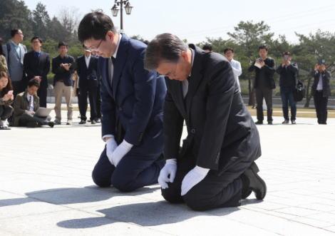 マスコミ「米トランプ氏側近『北朝鮮が文字通り手と膝をついて四つんばいとなり、会談の再設定を懇願してきた』 また物騒な発言をして物議を醸している」