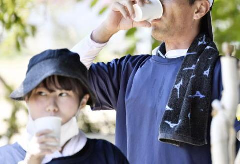 3連休中日の15日、全国で熱中症とみられる症状で救急搬送された人が2000人超、厳しい暑さは22日頃まで続く模様