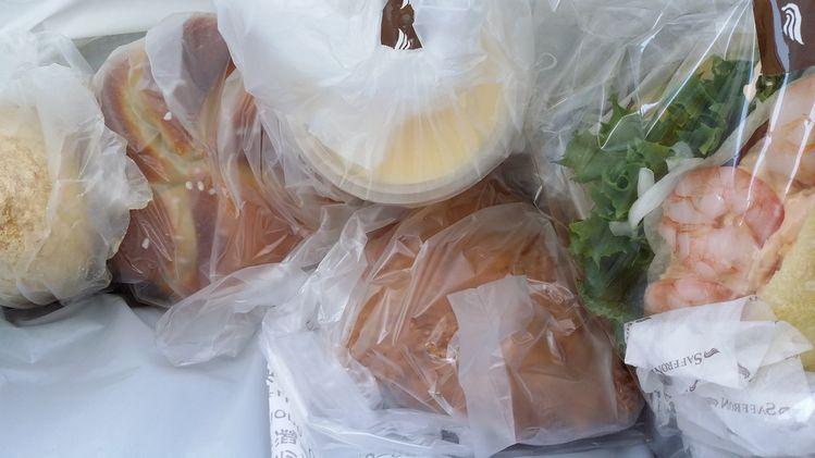 空腹にパンの山