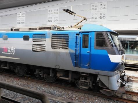 JR貨物 E210-139 牽引の貨物列車【京都駅】