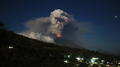 「 バリ島 アグン山 28日に噴火2